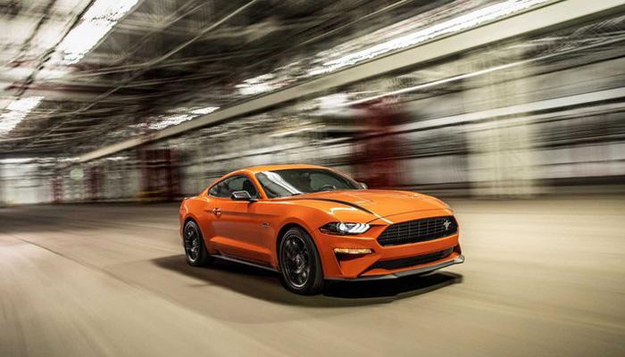 เตรียมพบกับเครื่องยนต์ระบบไฮบริดสุดว้าวใน V8Ford Mustang 2022