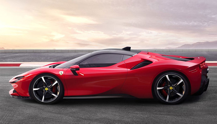 Ferrari SF90 Stradale รถยนต์พลังไฮบริดที่เร็ว แรง และแพงเวอร์ๆ